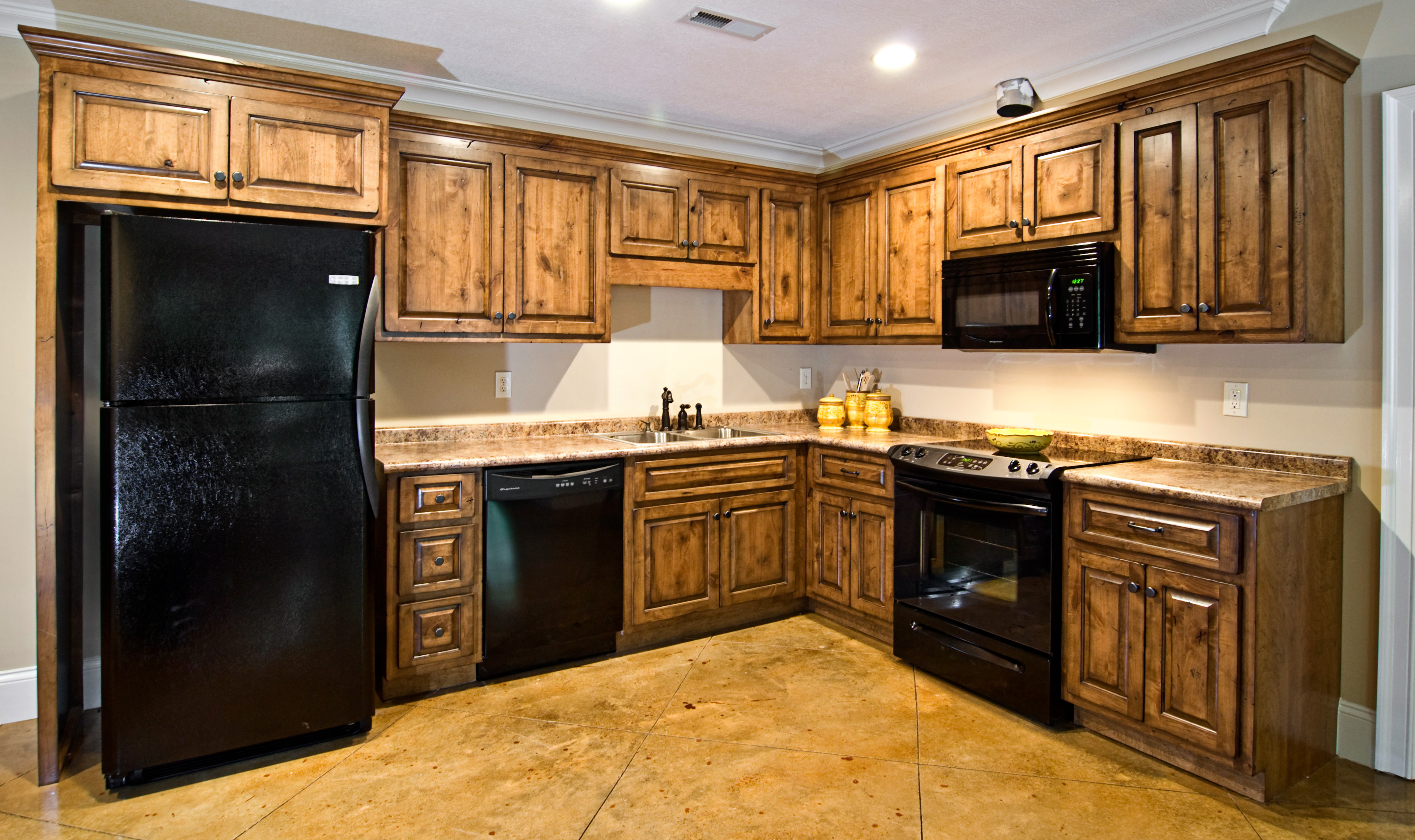 Alder knotty alder inspirations reeds custom cabinets for Alder wood for kitchen cabinets